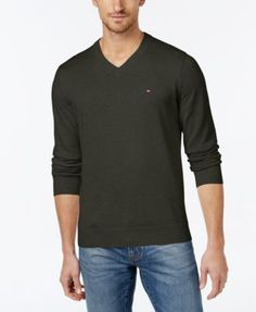 TOMMY HILFIGER Tommy Hilfiger Men'S Signature Solid V-Neck Sweater. #tommyhilfiger #cloth # sweaters