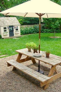 Jenny Steffens Hobick: Our Favorite Summertime Dinner Picnic Table With Umbrella, Build A Picnic Table, Wooden Picnic Tables, Outdoor Picnic Tables, Backyard Picnic, Picnic Table Decorations, Pea Gravel Patio, Kids Picnic, Picnic Area