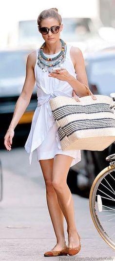 Plain dress, accent collar necklace neutral shoes