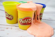 Making playdoh slime is SO fun! You can make this easy slime recipe with Play-Doh. It will keep the littles busy for hours. You're going to love this activity! Cool Slime Recipes, Easy Slime Recipe, Recipe 30, Play Doh, Free Slime, Diy Slime, Homemade Slime, Craft Projects For Kids, Diy Crafts For Kids