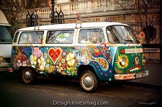 Volkswagen Paint / Hippi Source by mehmbicer Combi Hippie, Vw Hippie Van, Hippie Car, Hippie Style, Beetles Volkswagen, Volkswagen Bus, Mundo Hippie, Estilo Hippie, Vw Camper