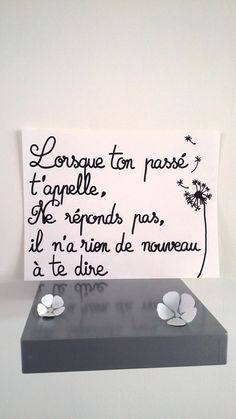 "Do not answer, there is nothing new to tell you affiche citation "" lorsque ton passé t'appelle . Livraison rapide et gratuite Positive Attitude, Positive Quotes, Motivational Quotes, Inspirational Quotes, Posters Decor, Quote Posters, Inspiration Entrepreneur, Manipulation, Quote Citation"