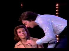 "Neil Diamond live, 1976, ""Song Sung Blue"""