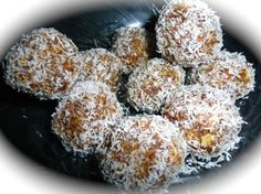Diabetic Friendly Recipe:  Date & Oatmeal Balls.    Dates make for a sweet tasting snack. This snack is made from dates and oatmeal, finished with s sprinkling of coconut. This is a snack that is easy to make, sweet yet naturally healthy.    Click through to see how to make this wonderful tasty snack.