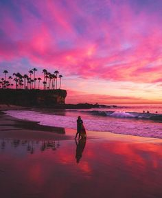 Sublime Coucher De Soleil ã Laguna Beach En Californie : on All About Beach 8614 Laguna Beach, Newport Beach Pier, Newport Beach California, California Sunset, California Coast, Southern California, Orange County Beaches, Miami Beach Hotels, Orange Sky