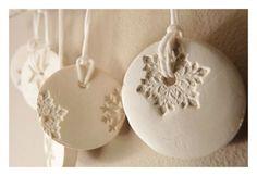 5 snowflake ornaments porcelain winter white & por LaNiqueHOME