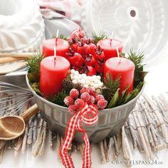 Adventskranz im Landhausstil, rot weiße Landhaus Deko selber machen, originell und schick Solche tolleBastel Ideen gibt es nur bei uns Dekorieren Sie Ihre eigene