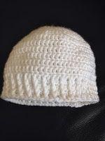Baby mutsje gehaakt- incl gratis patroon Crochet Girls, Crochet Baby, Baby Vest, Little Darlings, Knit Patterns, Baby Knitting, Knitted Hats, Free Pattern, Beanie