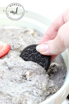 OREO Fluff recipe, a no bake white chocolate OREO dip that is ready in under 5 minutes, made with white chocolate pudding and crushed OREOs