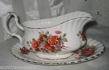 Royal Albert - Centennial Rose - Gravy Boat & Tray China Sets, Vintage Dishes, Royal Albert, Gravy, Bowls, Tea Pots, Cups, Treats, Rose