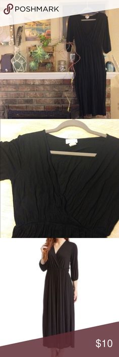✨Empire Waist Jersey Maxi Dress✨ Super comfy dress. Can be worn as maternity or non. Awesome for nursing. Good used condition. Has been sitting in my closet and collecting lint (price reflects) Bellino Clothing Dresses Maxi