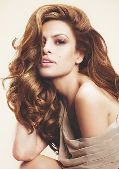 Pear-Shaped The attributes of a pear shaped face are narrow foreheads and wider jawlines with round chins. You can easily give this face shape the … Most Beautiful Women, Beautiful People, Pear Shaped Face, Latin Women, Cuban Women, Voluminous Hair, Very Long Hair, Poses, Great Hair
