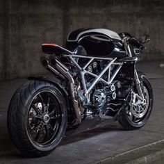 "Weekend ride to Mamak : ""LE CAFFAGE"": DUCATI 848 BY APOGEE MOTORWORKS"