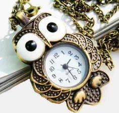 bonito reloj de buhó!