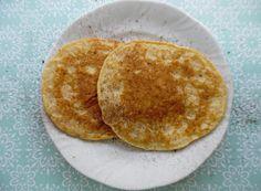 KETO naleśniki! Smaczne i proste :) Cały przepis na blogu. Serdecznie zapraszam :) Keto, Pancakes, Breakfast, Food, Morning Coffee, Crepes, Griddle Cakes, Meals, Pancake