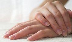 7 #consejos para mantener las #uñas más fuertes! 1) Consume #proteínas y #ácidos #grasos ya que son #beneficiosos. 2) #Cortar y #limar las uñas en remojo 3) Reparación express: corta y lima inmediátamente cuando se te rompan, así no las dañarás más de lo debido 4) No descames el #esmalte que debilita la superfície 5) Usa #guantes si tienes contacto prolongado y repetido con el agua 6) #Hidrata uñas y cutículas  7) Usa #endurecedor de uñas  ¡A lucir unas manos perfectas!