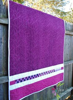 Modern Bloom Quilt Pattern, free pdf tutorial for this back - I think the stitching on this would be perfect for my white/purple/blue quilt Backing A Quilt, Quilt Border, Quilt Blocks, Quilting Projects, Quilting Designs, Quilting Ideas, Sewing Projects, Modern Quilt Patterns, Modern Quilting