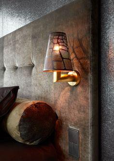 Wall lamp by Osiris Hertman