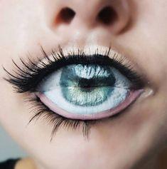 The eyeball lip art trend will have you mesmerised - A Second Chance Around- Lip Art, Lipstick Art, Lipsticks, Nice Lips, Make Up Art, Lip Designs, Lip Fillers, Dramatic Makeup, Crazy Makeup