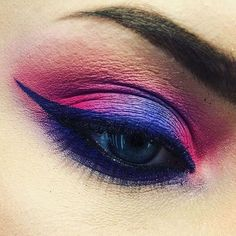 Peering precision #regram from @adamakeupartist at M·A·C at Poznań City Center in Poland – created using Prep + Prime 24-Hour Extended Eye Base, Pigment in Magenta Madness and Grape, Eye Shadow in Atlantic Blue, Fluidline in Waveline, and Extended Play Lash Mascara. #MACArtistChallenge #MyArtistCommunity #MACCosmetics