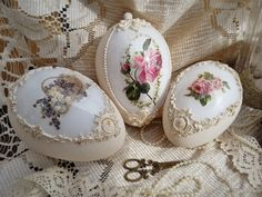 Bunny Crafts, Egg Crafts, Easter Crafts, Costume Jewelry Crafts, Shabby Chic Boxes, Easter Parade, Egg Art, Egg Decorating, Handmade Ornaments
