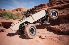 FJ45 buggy with rear steer and a V8. Super light weight with all the weight being unsprung in the Moog portal axles. #fj45 #buggy #moog #rearsteer #offroad #4x4 #4wdto #4x4 #offroad http://ift.tt/1tDYhE5
