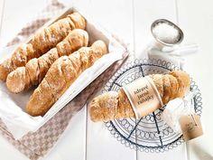 Špaldový koreňový chlieb Bread Recipes, New Recipes, Healthy Recipes, Fondant Cakes, Hot Dog Buns, Sausage, Sandwiches, Clean Eating, Dairy