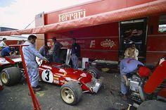 Ferrari 1972 - France, Jacky Ickx waiting