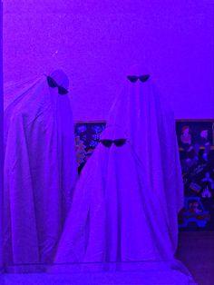 Ghost photoshop tiktok trend Night Aesthetic, Aesthetic Indie, Aesthetic Collage, Violet Aesthetic, Lavender Aesthetic, Best Friends Shoot, Cute Friends, Ghost Photography, Hippie Wallpaper