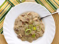 Smetanovo-žampionovou chuť si lze užít i v čistě rostlinné verzi. Vegetarian Main Course, Tofu, Hummus, Oatmeal, Chicken, Meat, Breakfast, Ethnic Recipes, Breakfast Cafe