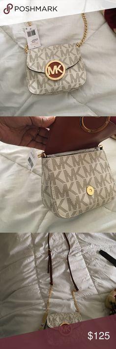 Michael Kor Cream Colored Crossbody Brand new!!! Very pretty 😁 authentic KORS Michael Kors Bags Crossbody Bags