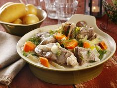 Mors lammefrikassé Lamb Recipes, Cooking Recipes, Norwegian Food, Lamb Stew, Frisk, Pot Roast, Japchae, Love Food, Crockpot