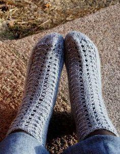 Ohjetta ja Ogelia / A new pattern and Ogeli Knitting Socks, Hand Knitting, Knit Socks, Fun Projects, Leg Warmers, Mittens, Ravelry, Knit Crochet, Wool