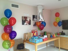 Transform your dining room to party mania with these helium arrangements!