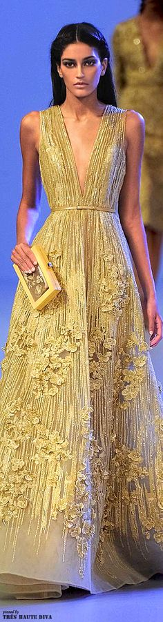 Please without the flowers - Elie Saab Spring 2014 Couture Couture Fashion, Runway Fashion, High Fashion, Beautiful Gowns, Beautiful Outfits, Fashion Vestidos, Fashion Dresses, Elie Saab Couture, Do It Yourself Fashion