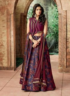 Buy online Beautiful & Designer Lehenga from Our Exclusive Collections at Tithli Fashion. Beautiful Purple Color Jacquard Silk Zari Embroidered Wedding Wear Lehenga Choli Look striking and stunning after wearing this purple color silk lehenga for upcomi Lehenga Choli Designs, Indian Designer Outfits, Indian Outfits, Designer Dresses, Designer Lehanga, Party Wear Indian Dresses, Designer Sarees, Party Wear Lehenga, Bridal Lehenga