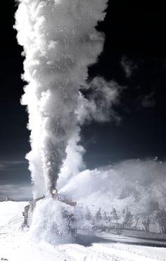 Train in Skagway, Alaska bulldozing through the fallen snow. Train Tracks, Train Rides, Wow Photo, Bonde, Old Trains, Train Pictures, Steam Locomotive, Winter Scenes, Train Station