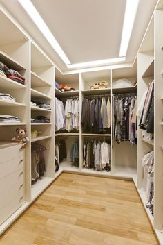 52 Modelos de Closets para Você Organizar suas Roupas