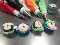 Mamut Decorated Marshmallows, Royal Icing Transfers, Marshmallow Pops, Bakery Cakes, Candy Party, Oreos, Cupcake Cookies, Christmas Cookies, Fondant