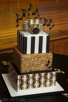Discover the best ideas for Cake & Desserts! Read articles and watch videos about Cake & Desserts. Bolo Artificial, Bolo Musical, Bolo Fake Eva, Music Cakes, Drum Cake, Cake Stencil, Pecan Cake, Salty Cake, Gold Cake