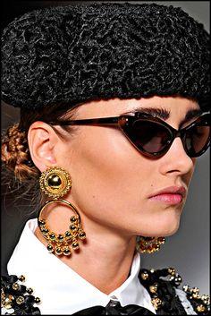 Ray Ban Sunglasses ▄▄▄▄▄get it for Ray Ban Sunglasses Outlet, Oakley Sunglasses, Sunglasses Women, Latest Fashion For Women, Love Fashion, Womens Fashion, Paris Fashion, Dali, Cat Eye Glasses