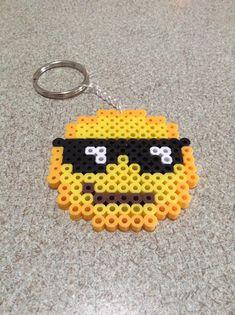 Sprite di emoji fatti da Perler beads. Portachiavi possono essere aggiunto. Circa 10 cm per 10 cm.