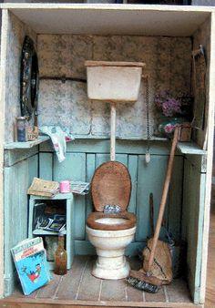 Miniature toilettes by David Sculpher du musée de Bâle