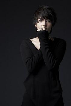 Song Joong Ki...yummy!