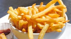 French fries is one of the world famous and popular recipe . I am a big fan of this crispy french fries , when i was working in Chennai th. Crispy French Fries, French Fries Recipe, Microwave French Fries, French Recipes, I Love Food, Good Food, Yummy Food, Making French Fries, Modern Food