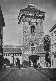 Brama Floriańska na fotografii z 1920 roku.