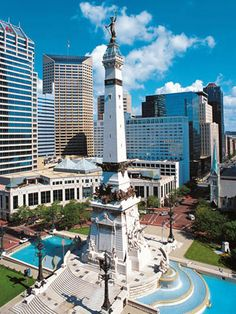 Soldier & Sailors' Monument at the Circle in the center of Indianapolis. Indiana has the most memorial monuments save Washington DC. Indianapolis Indiana, Indianapolis Skyline, Oh The Places You'll Go, Places To Travel, Travel Things, Fun Things, Roadtrip, Travel Usa, Usa