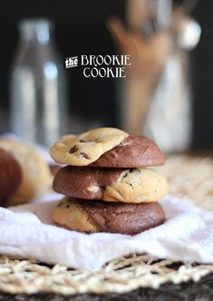 Brookie Cookies... half brownie half chocolate chip cookie!!