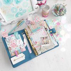 657 mentions J'aime, 37 commentaires – Violet (@imvintagerose) sur Instagram : « My layout for today @inked_bound_letters the washi samples fit perfectly in my plannerand the… »