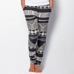 Monochrome Fashion | Silo pants in sumbawa | Hard to find monochrome style